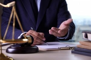 Solución de un caso en un despacho de abogados