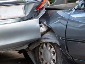Colisión entre dos vehículos
