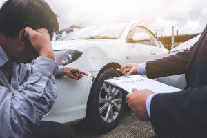 ¿Es obligatorio firmar el parte amistoso de accidente?